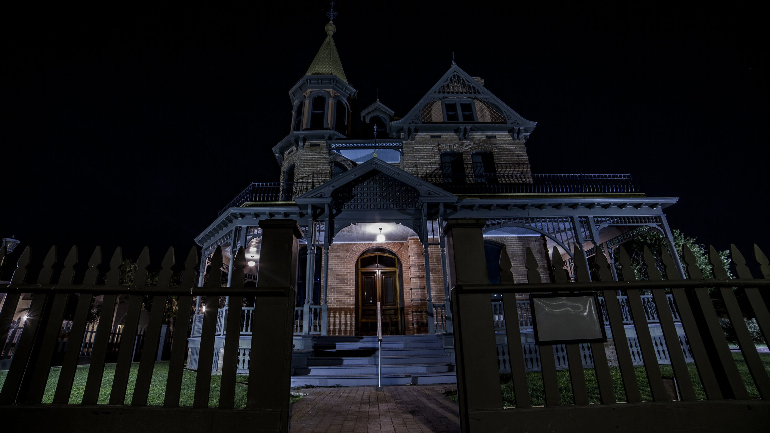 The Most Haunted Places In Phoenix - Photo